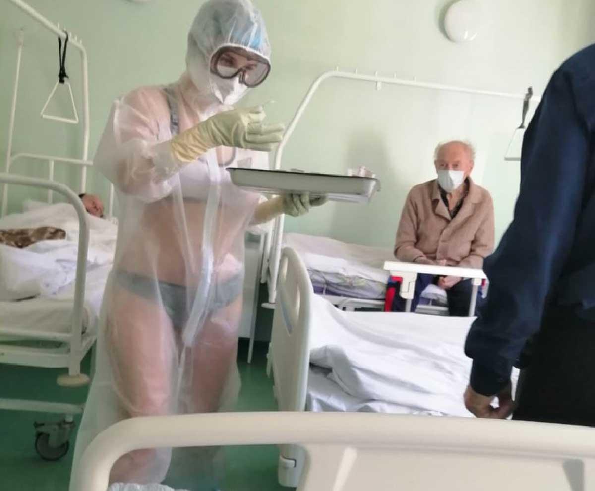 Rusia. Asistentă medicală, în bikini şi sutien în faţa pacienţilor infectaţi cu COVID-19